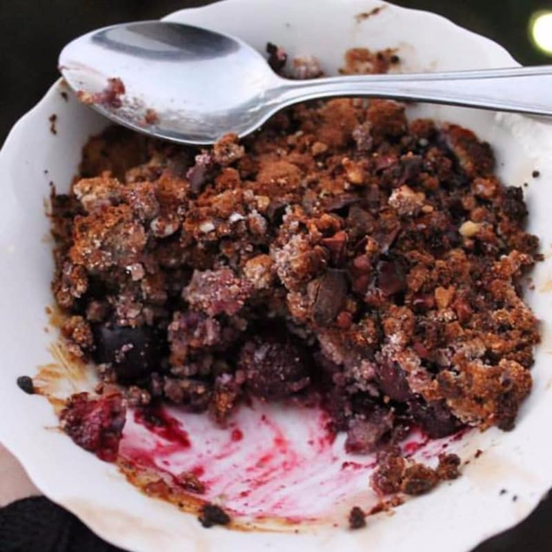 crumble rapido de berries vegano