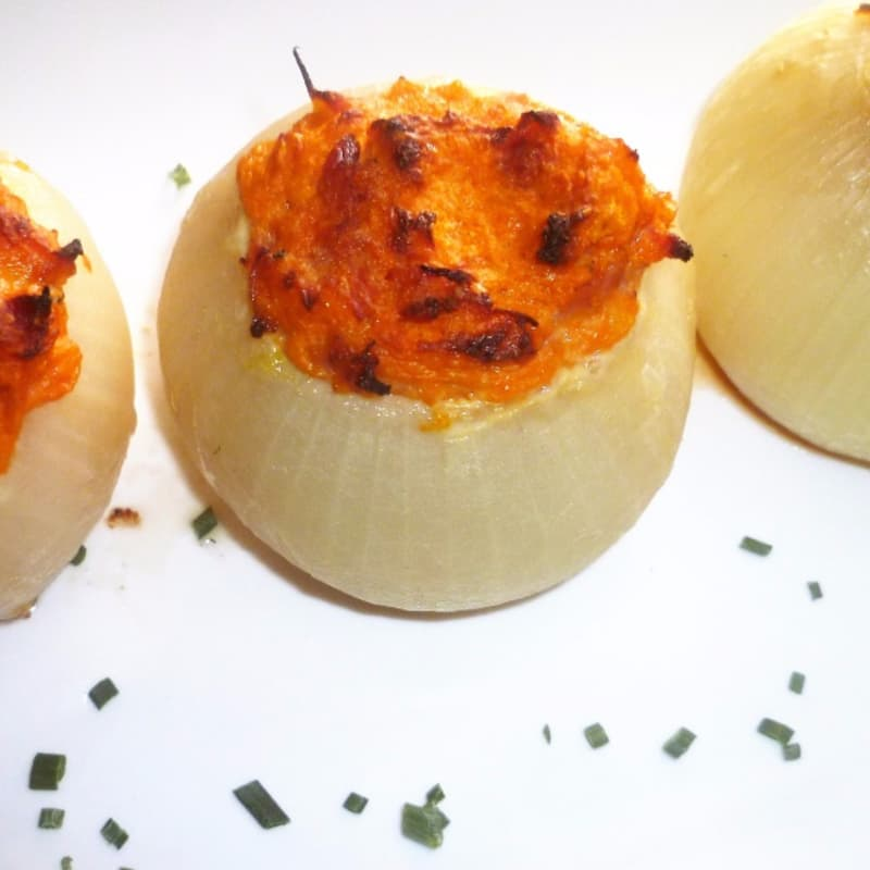 Onions stuffed with pumpkin