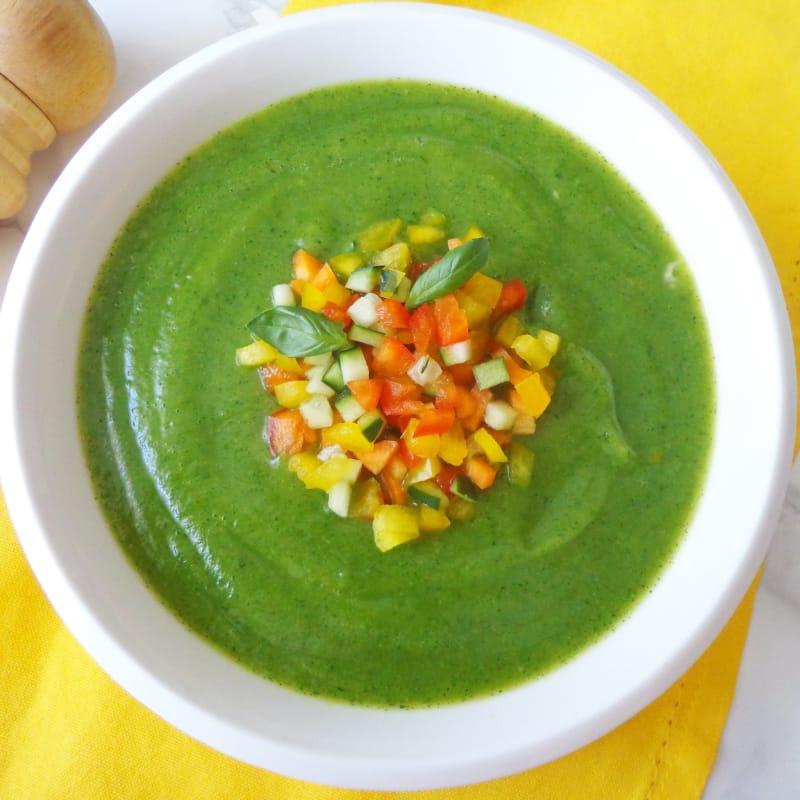 Crema de calabacín y verduras de colores