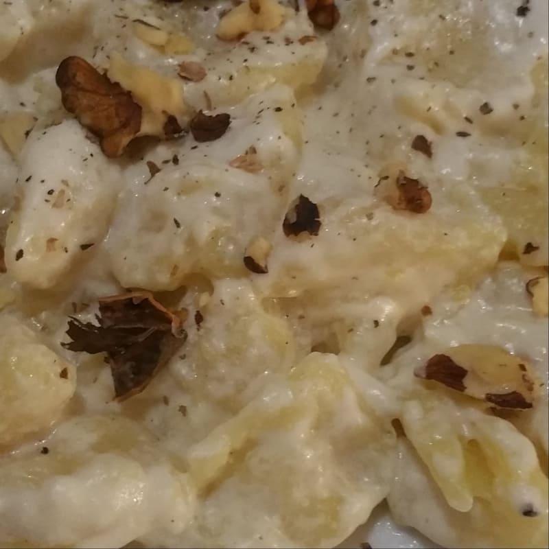 Gnocchi con crema di formaggi