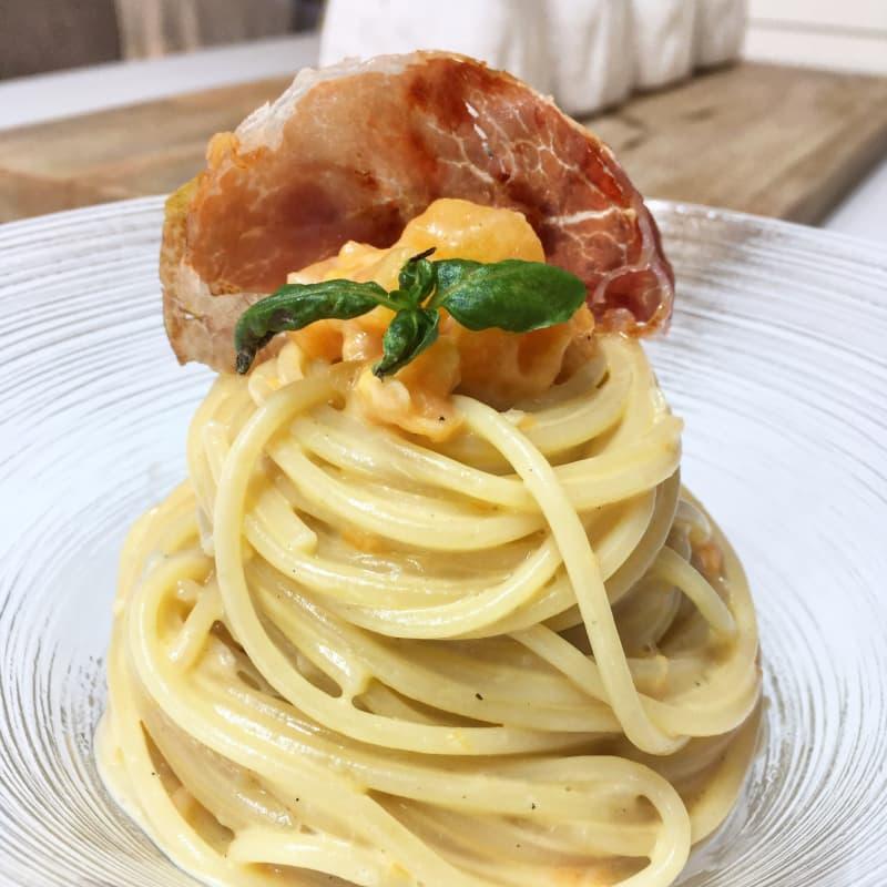 Espaguetis con melón y jamón