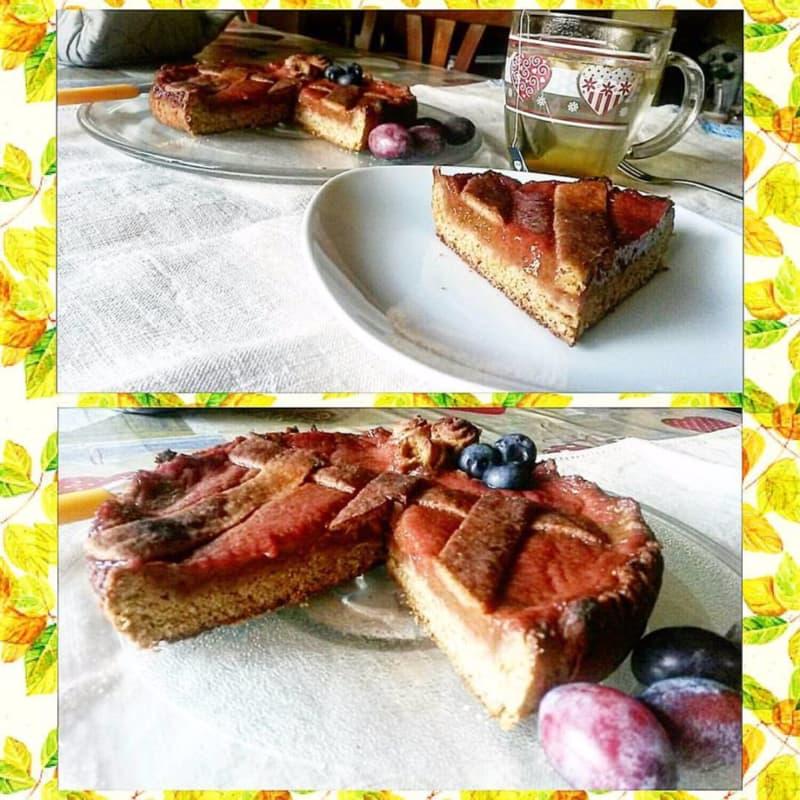 tarta con harina de soja y ciruelas