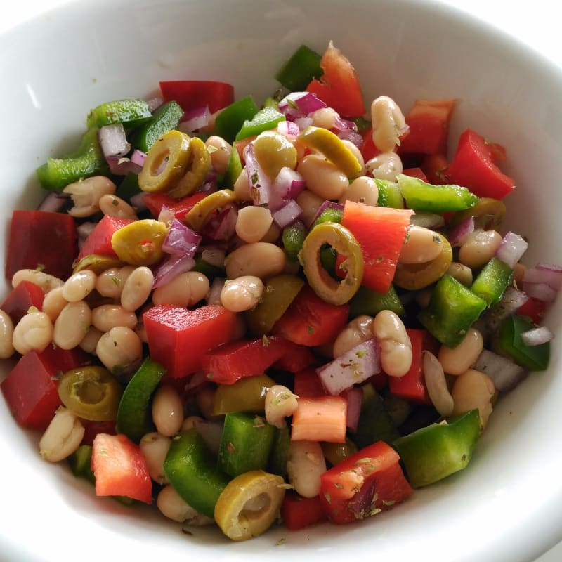 Pepper and bean salad