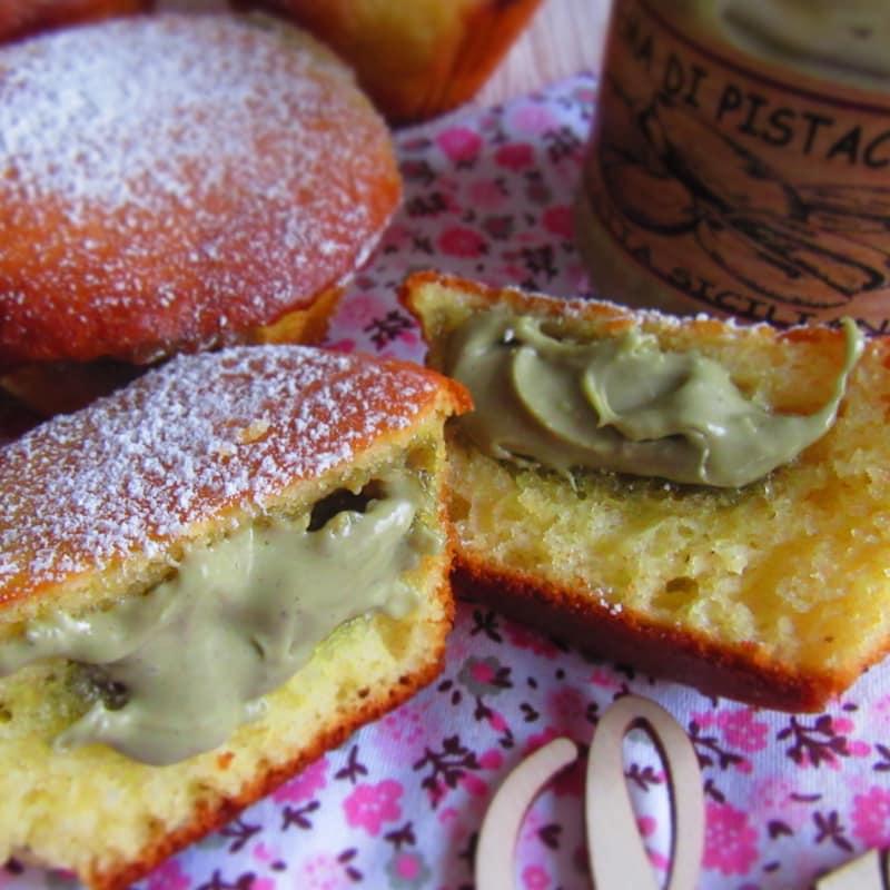 En mollete Yogur con el corazón pistacho (sin mantequilla)