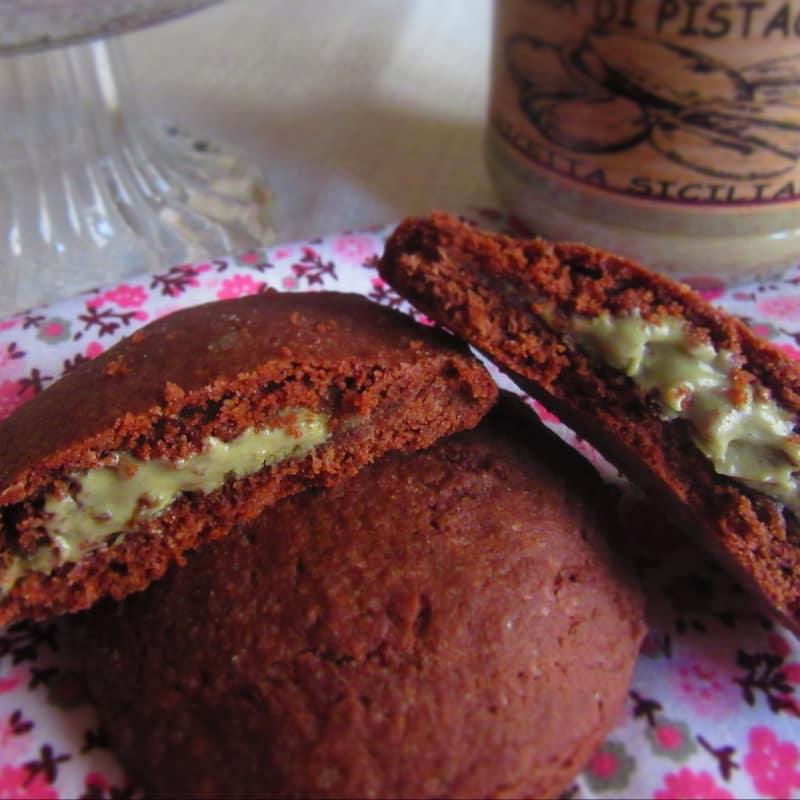 Galletas con corazones de chocolate con pistachos
