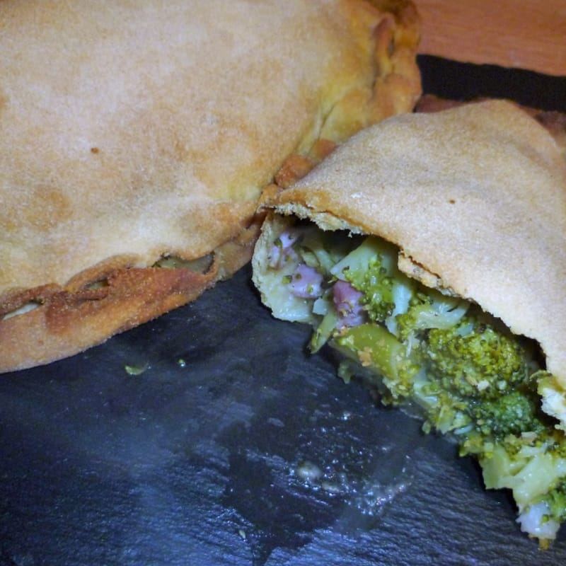 Calzone of broccoli