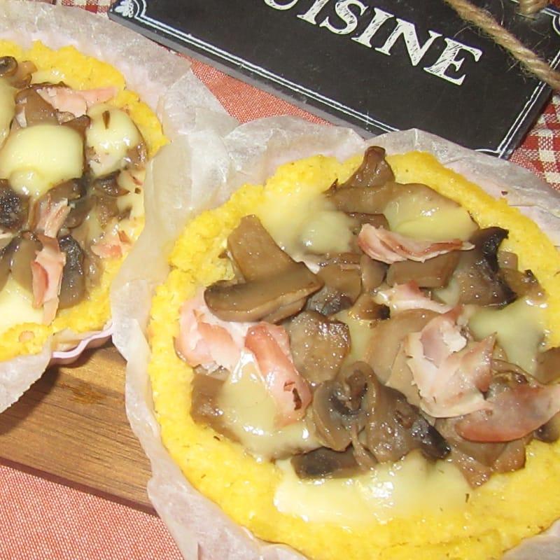 Crostatine Di Polenta Ai Funghi