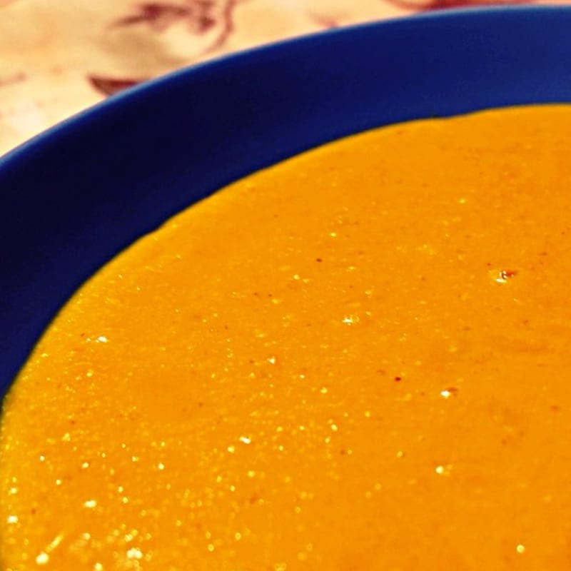 Cream of red lentils and turmeric