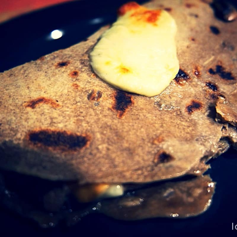 Buckwheat piadina with mushrooms and vegan racy cheese