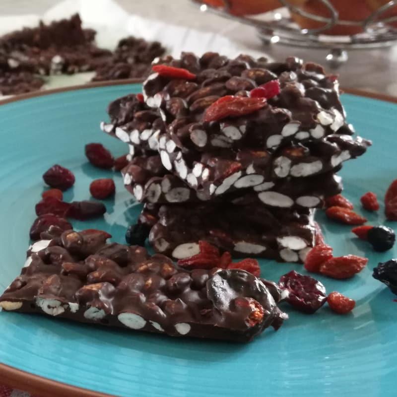 Snack veloci al cioccolato e riso soffiato