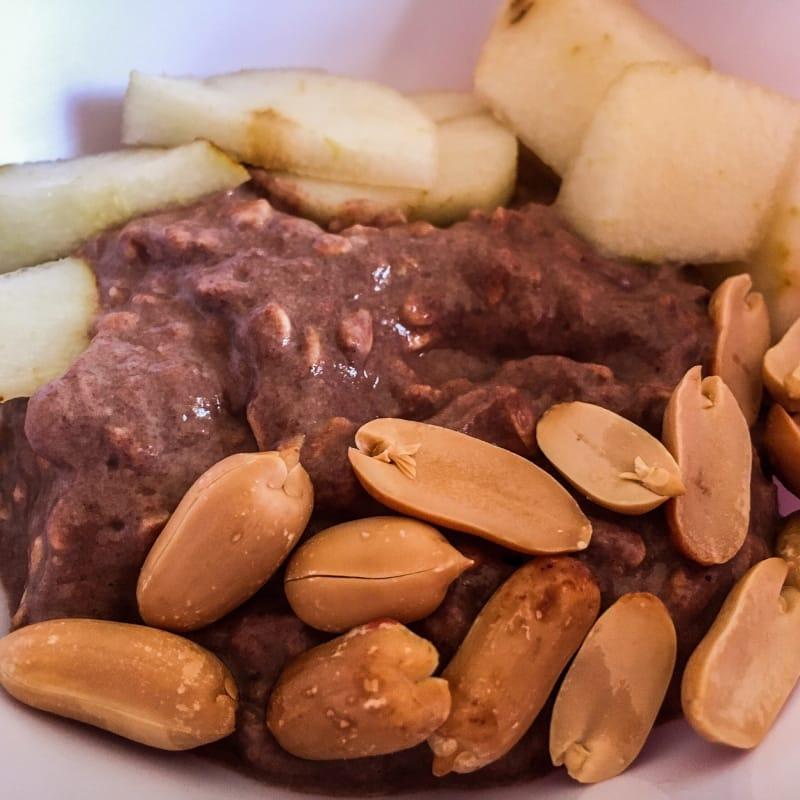 Oatmeal chocolate and pear