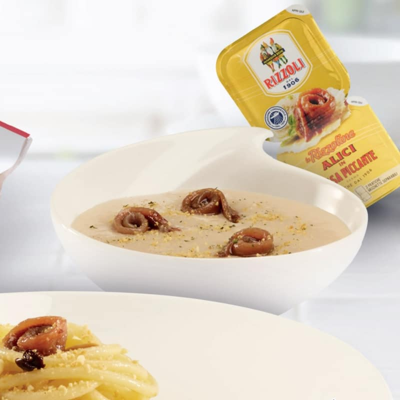 Crema di cannellini con acciughe in salsa piccante