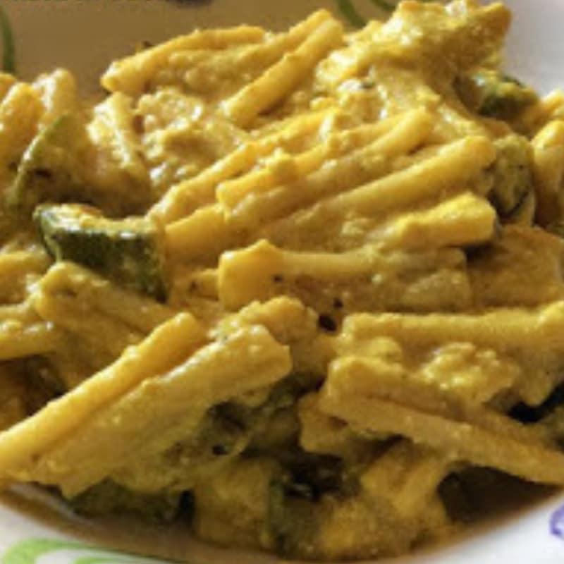Trofie con Zucchine alla crema di Ricotta e Curcuma