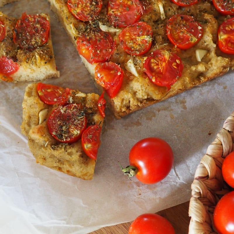 Focaccia matta con tomates Muy suave sin levadura