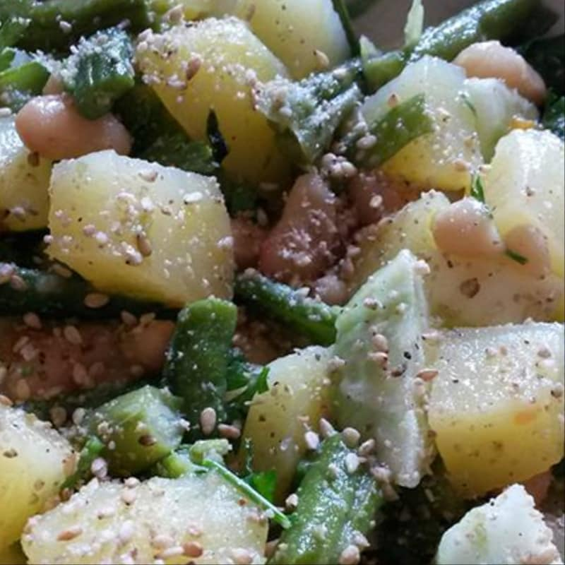 Potato salad with cannellini beans and sesame beans