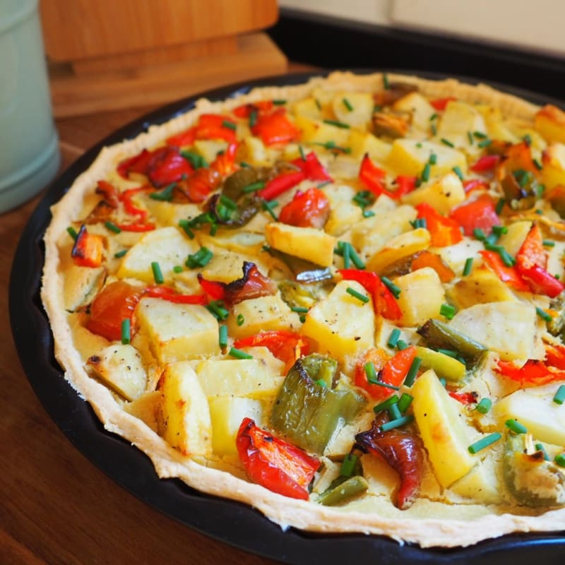 Rustic pie with peppers and potatoes