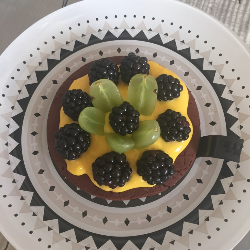 Cocoa tart with fruit!