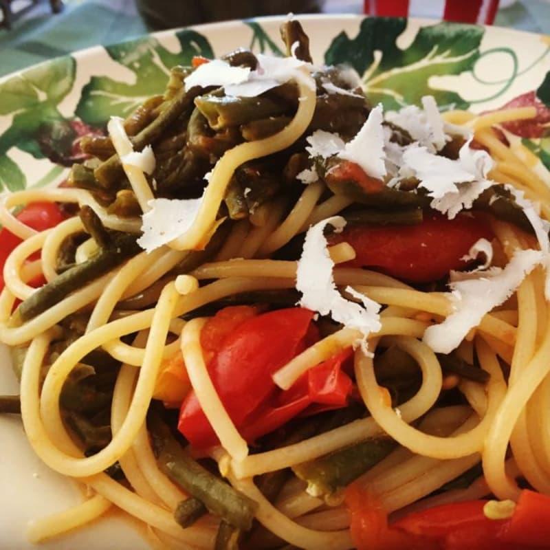 Spaghettone fagiolini e cacio ricotta