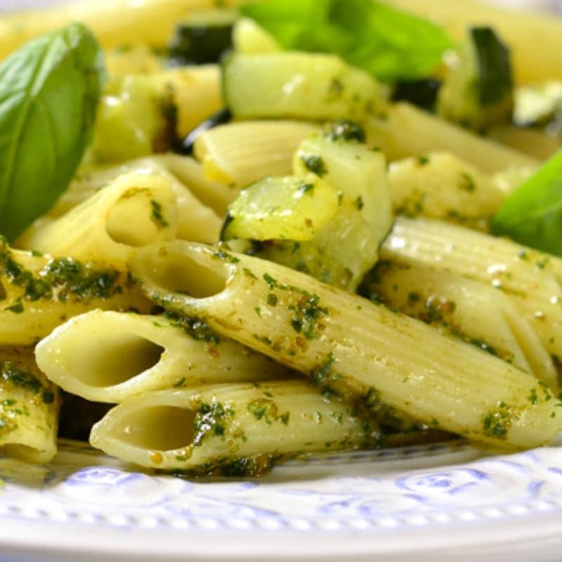 Pasta con zucchine e pistacchi