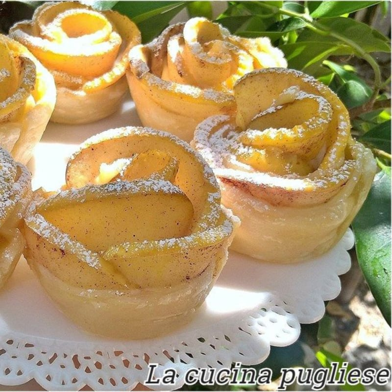 Rose apple puff pastry
