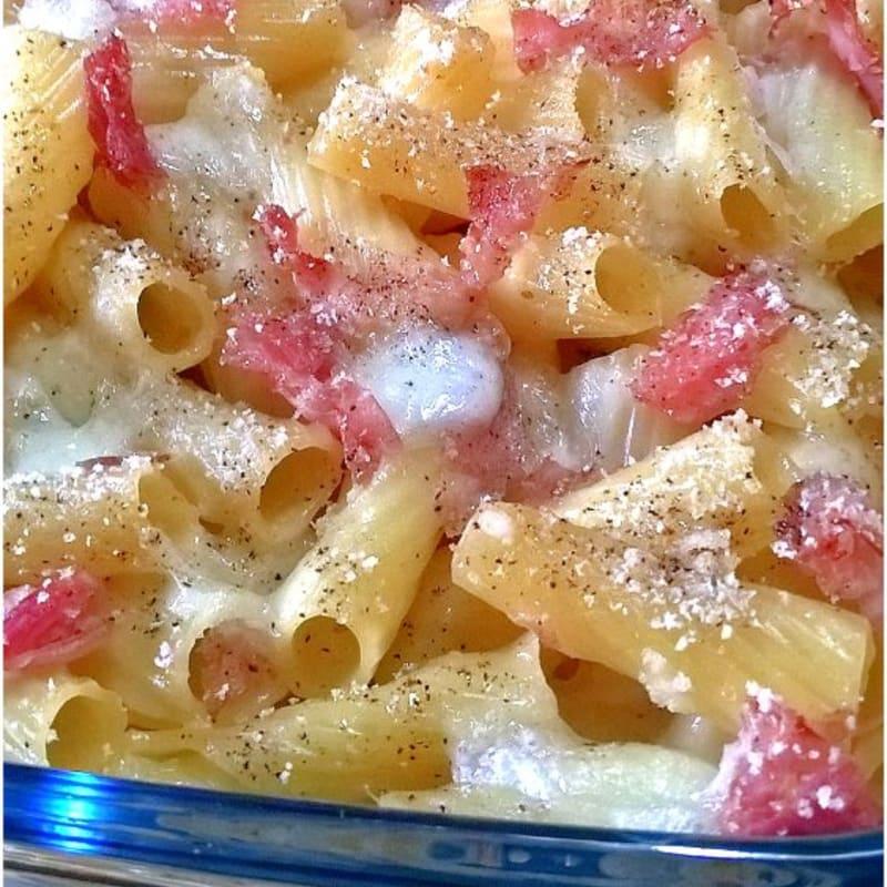 Pasta al forno con prosciutto cotto e mozzarella