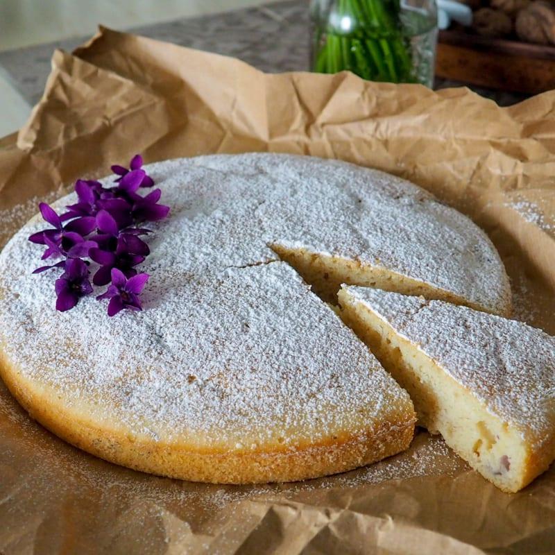 Torta soffice di violette