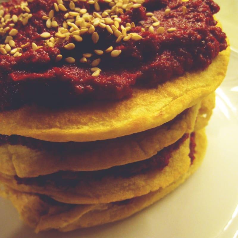 Pancakes Soffici Con Crema Di Barbabietola