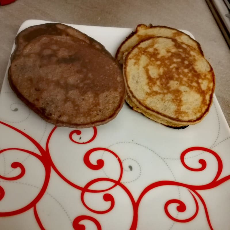 Pancakes giallo neri light alla banana