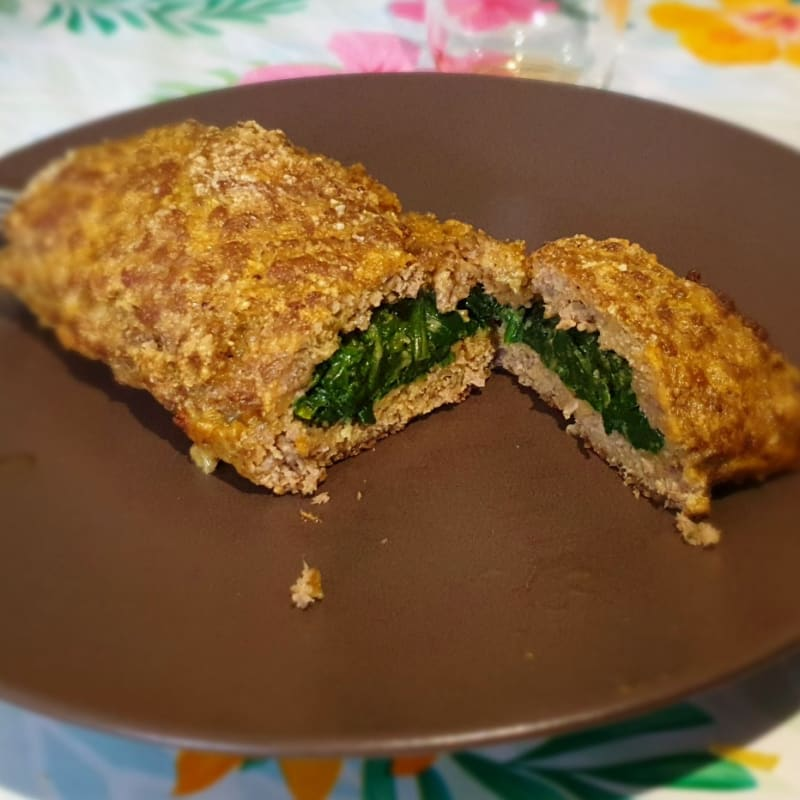 Light meatloaf stuffed with spinach