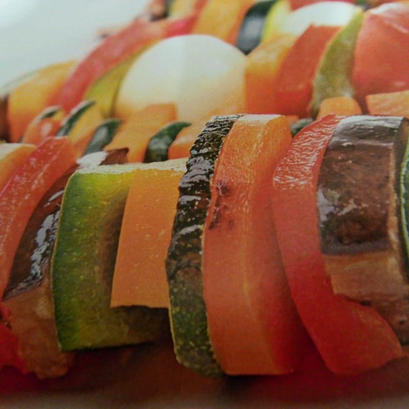 Brochetas de verduras y mozzarella