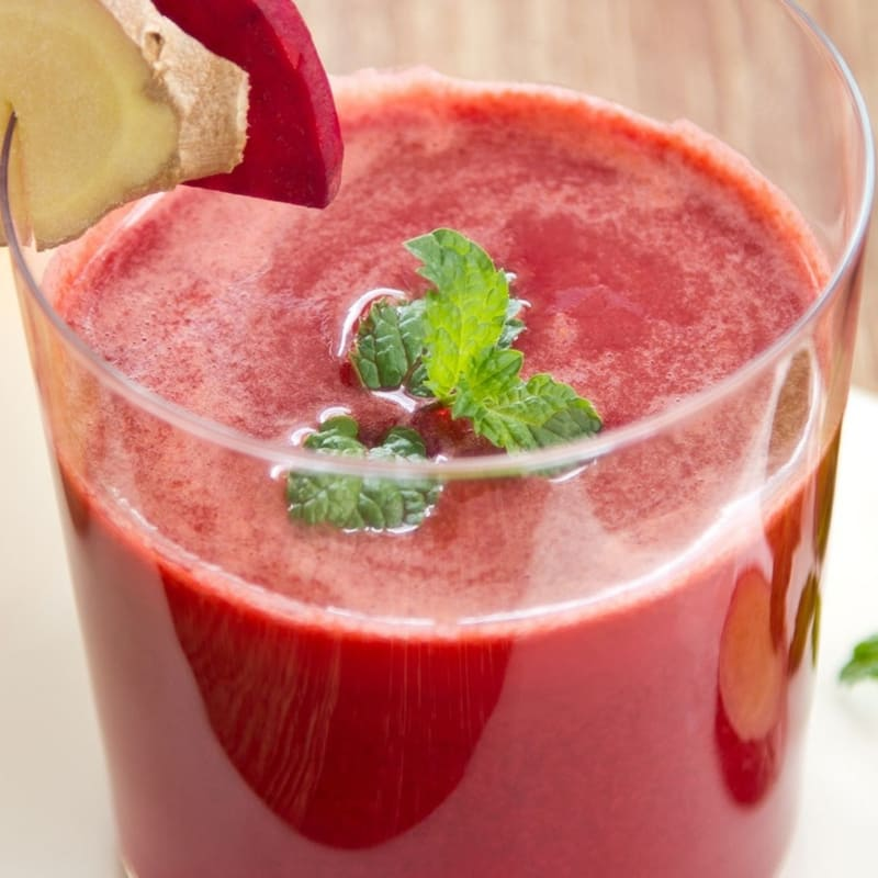 Beetroot, ginger and apple smoothie
