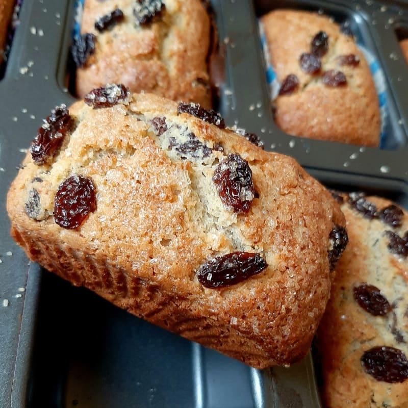 Plumcake integrali senza glutine con miele e uvetta