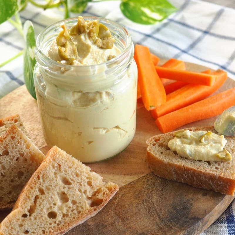 Spreadable with lupins and olives