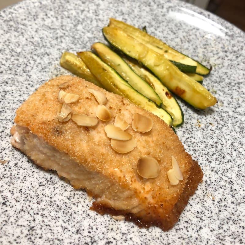 Salmone in crosta alle mandorle