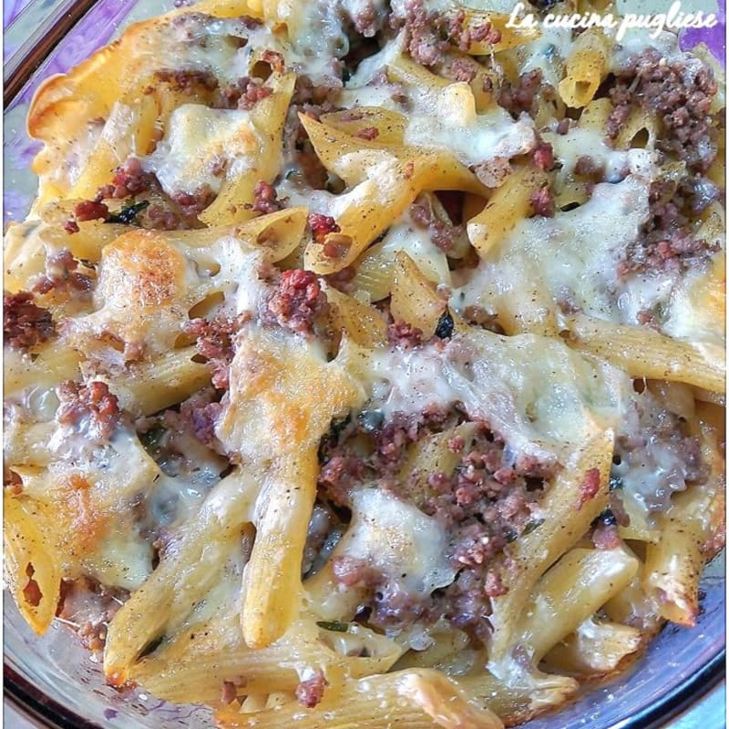 Baked pasta in white