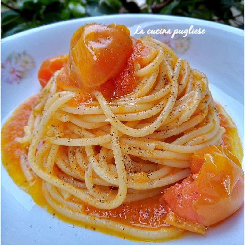 Spaghetti Con Pomodori Scattarisciati