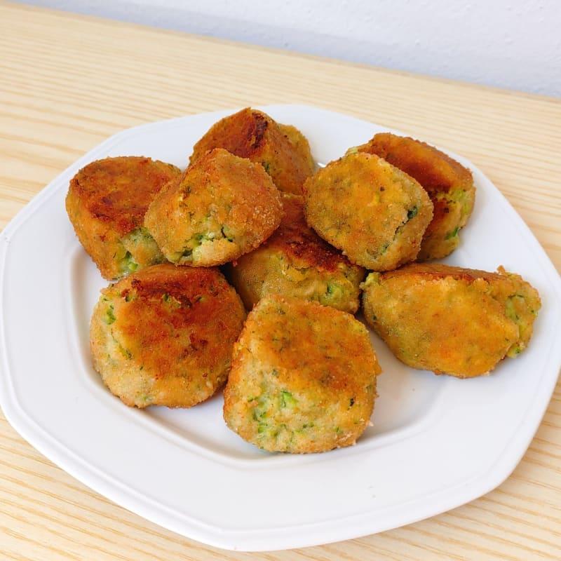 Stracchino and courgette meatballs