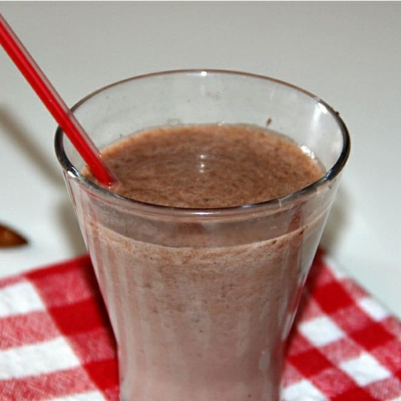 Banana and cocoa fit smoothie