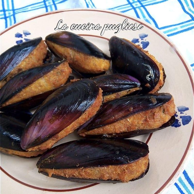 Stuffed fried mussels