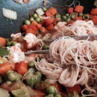 Foto preparazione Soy spaghetti with vegetables and shrimps