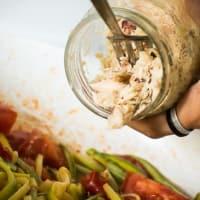 Foto preparazione Linguine verdi di zucchine con tonno
