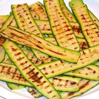 Foto preparazione Rotoli di zucchine in salsa tonnata