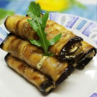 Ricetta correlata Eggplant rolls with tofu cream, olives and rocket