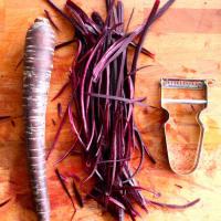 Foto preparazione Spaghetti di carote rosse con salsa cruda