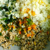 Foto preparazione Cous cous and cauliflower germinated quinoa with herbs, citrus and cream