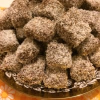 Ricetta correlata Cubes of chocolate and coconut