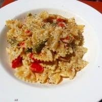 Ricetta correlata Farfalle with ricotta and almond pesto, asparagus and cherry tomatoes