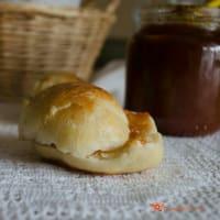 Ricetta correlata Milk rolls with plum jam