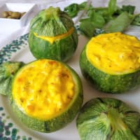 Ricetta correlata Zucchini stuffed with cheese to the olives and herbs