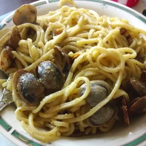 Foto Ricetta Spaghettoni freschi pesto e vongole